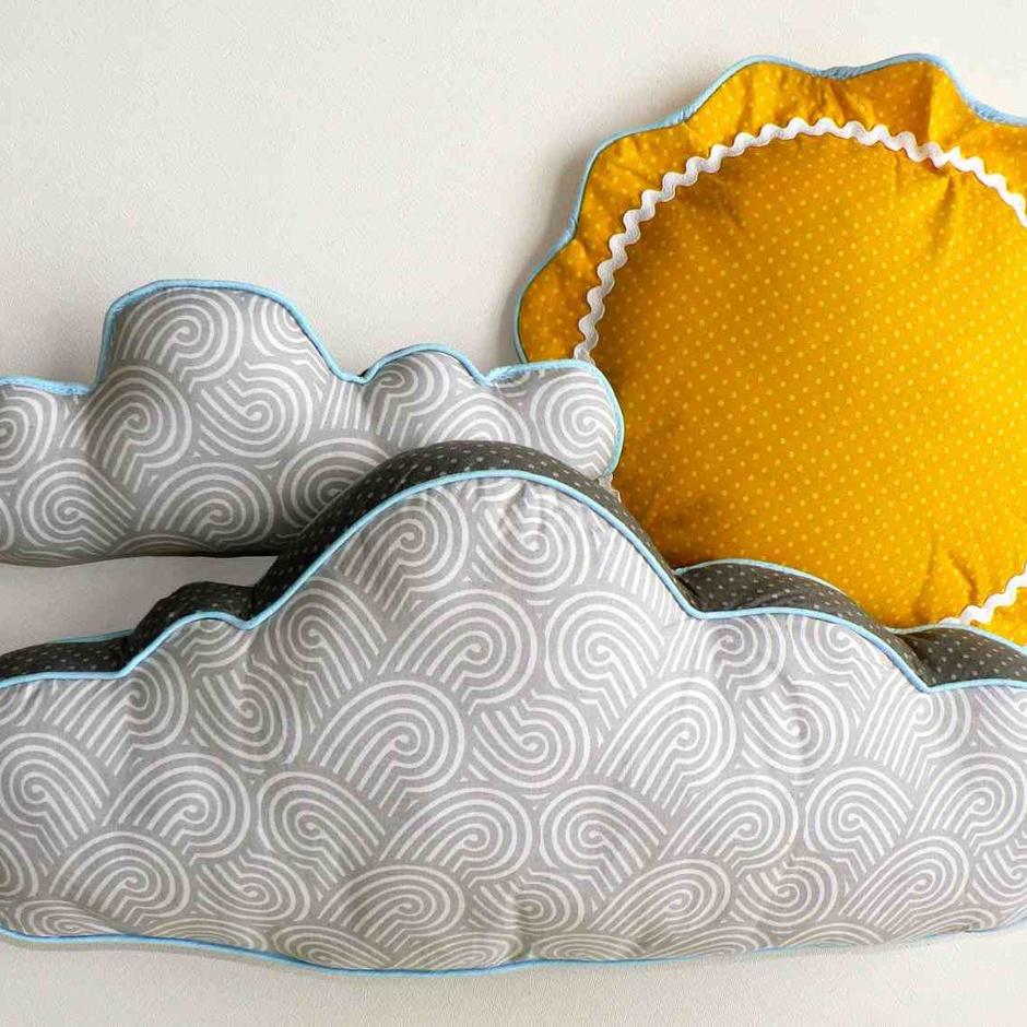 Как сшить декоративную детскую подушку своими руками